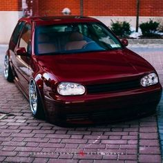 Let us get a brief overview of the many revisions over the years to this popular car. Vw Mk4, Vw Golf Mk4, Car Volkswagen, Vw Cars, Wolkswagen Golf, Vw Pointer, Vw Beetles, Go Kart, Dream Cars