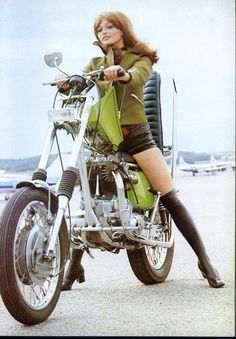 vintage motorcycle pin up girls | ... harley davidson motorcycle culture motorcycle photographs motorcycle