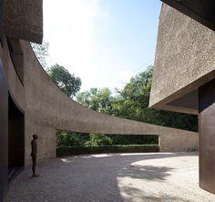 Collector's House | Bolzano, Italy | Architects Walter Angonese and Andrea Marastoni | photo by Günter Richard Wett