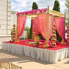 ideas for wedding ceremony ideas outdoor tent Desi Wedding Decor, Wedding Hall Decorations, Marriage Decoration, Wedding Mandap, Rustic Wedding Centerpieces, Wedding Dress, Wedding Ceremony, Tamil Wedding, Aisle Decorations