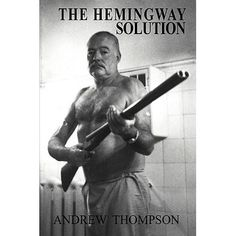 Ernest Hemingway at home the Finca Vigia, Cuba - Post WWII Ernest Hemingway, Hemingway Frases, Hemingway Cuba, Story Writer, Book Writer, William Faulkner, Writers And Poets, Us History, The Life