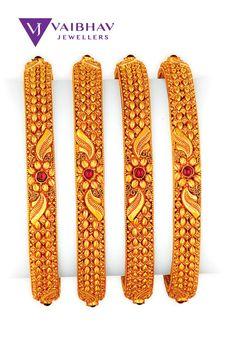 Indian Gold Bangles, Gold Bangles For Women, Gold Bangles Design, Gold Earrings Designs, Gold Jewellery Design, Gold Temple Jewellery, Gold Jewelry, Gold Mangalsutra, Chur