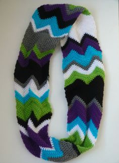 Bold Chevron Infinity Scarf Crochet. Great Colors!!!