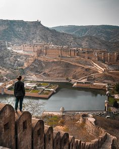 Jaipur Travel, Amer Fort, Mansion Designs, Indian Architecture, Hill Station, Beautiful Places To Travel, My Escape, Incredible India, Asia Travel