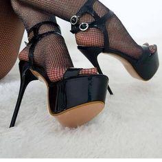 Sexy Legs And Heels, Hot High Heels, Platform High Heels, High Heels Stilettos, Pantyhose Heels, Stockings Heels, Black Stiletto Heels, Killer Heels, Women's Feet