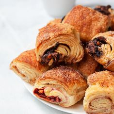 Best NYC food gifts: Cinnamon, chocolate, and raspberry rugelach from William Greenberg Bite Size Desserts, No Bake Desserts, Jewish Recipes, Italian Recipes, Little Pie Company, Rainbow Layer Cakes, Authentic Chinese Recipes, New York Food, Christmas Food Gifts
