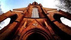"""PANORAMA - Kirchenhäuser mit dem Namen """"St. Bartholomäuskirche"""" gibt es häufiger. Eine wurde 1858 in Berlin Mitte gebaut, ist heute denkmalgeschützt und beherbergt auch eine Friedensbibliothek. Aufgenommen und bearbeitet mit einem iPhone 4S."""