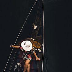 @shootcamp posted to Instagram: Dieser Schnappschuss entstand in Venedig als ich auf einer Brücke stand. @fafengut_photography . Du möchtest auch gefeatured werden? Benutze unseren Hashtag #shootcamp. Wir freuen uns auf eure atemberaubenden Bilder! . #portrait#ig_portrait #venedig #portaitsmag#makemoreportraits #moodyports#moodygrams #ourmoodydays#moodytuones #mightydreamers#shotzdelight #justgoshoot#visualsgang #thevisualscollective#visualambassadors #leagueoflenses… Portrait, Instagram, Candid Photography, Venice Italy, Pictures, Headshot Photography, Portrait Paintings, Drawings, Portraits