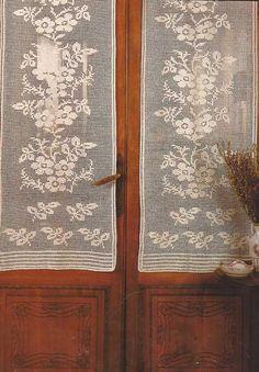 """Patrón #7: Cortina a Crochet """"Ramos de Flores"""":  https://ctejidas.co/patron-7-cortina-crochet-ramos-de-flores/"""