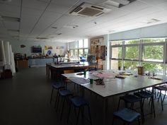 Sala de Arts& Crafts      Sherborne:  Un curso para todas las edades, en pleno campo inglés.   La Sherborne Preparatory School, fundada el año 1885 muy cerca del centro de la histórica ciudad de Sherborne, es una de las escuelas primarias más prestigiosas del país. La escuela está situada en un campus muy agradable con edificios antiguos y modernos en medio de doce acres de zona verde y atractivos jardines.   #WeLoveBS #inglés #idiomas   #ReinoUnido #RegneUnit #UK  #Inglaterra #Anglaterra