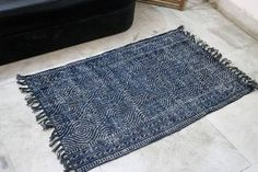 Handwoven hand-dyed Indigo Rug in Jute Rug Geometric Shape Jute Fabric, Jute Bags, Geometric Rug, Small Rugs, Floor Rugs, Home Decor Items, 1 Piece, Color Mixing, Hand Weaving