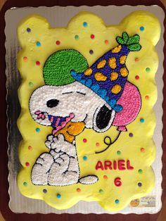 Snoopy cupcakes cake