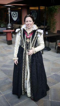 Sarah's Laureling gown at modehistorique.com