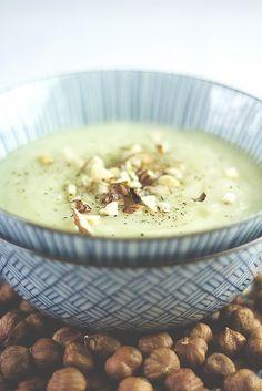 Topinambur-Suppe mit Thymian und gerösteten Haselnüssen, vegan | Die Mädchenküche kocht zusammen #9