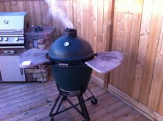 Big Green Egg in action