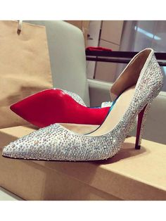 How to Choose Shoes to Match Your Prom Dress:http://www.hebeos.com/blog/how-to-choose-shoes-to-match-your-prom-dress/