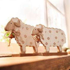 Woodworking With Resin Wooden Crafts, Diy And Crafts, Woodworking With Resin, Animal Cutouts, Sheep Crafts, Diy Ostern, Sheep And Lamb, Country Paintings, Pull Toy