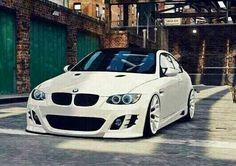 BMW E92 M3 white slammed