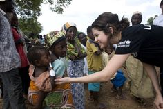 helping kids in africa | Selena meets some children in Ghana on her first UNICEF field mission