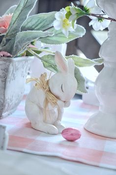 rafia tied bow could also use idea for wooden bunny and tint ears pink Easter Celebration, Food Crafts, Craft Party, Easter Eggs, Easter Bunny, Pillar Candles, Tablescapes, Pretty In Pink, Pink White
