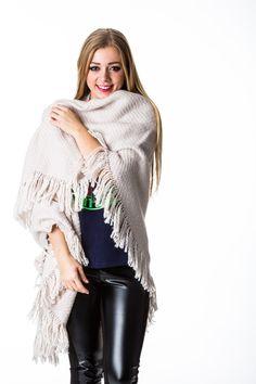 B.loved sjaal ala manos del Uruguay in Crystal Grey