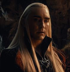 {The many shades of Thranduil, and he looks gorgeous in every one. (gifset)} - OMFG what is this gif?!?!? *dead* The set is gorgeous but this specific gif is like now I'm hyperventilating.....