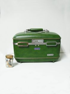 Vintage Green Escort Train Case/Beauty Case with Accessories. KikiVintage on Etsy