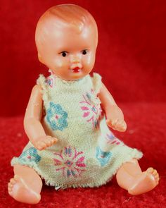 Vintage Dime Store 2 Plastic Seated Baby Doll Excellent Condition LOOK