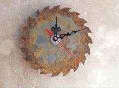 recycler+une+lame+de+scie+circulaire+en+horloge