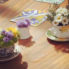 Xícaras e flores ohlindeza.com