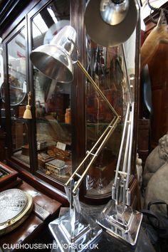 vintage angle poise lamps, beautiful on modern and antique desks Vintage Decor, Vintage Furniture, Anglepoise, Interior Work, Antique Desk, Movie Props, Antique Lighting, Kitchen Lighting, Vintage Leather