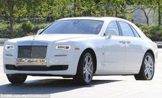 Photos: Kylie Jenner Shows Off Her $320,000 Rolls Royce | LEOCROWN BLOG