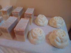 Handmade olive oil soap with coconut and palm oil with some cinnamon add + 4 roses   Χειροποίητο σαπούνι ελαιολάδου με φοινικέλαιο ,λάδι καρύδας και λίγη κανέλλα + 4 τριανταφυλλα