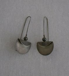Vintage Silver Israel Artist Shraga Earrings.    Metal Composition: Silver    Signed/Stamps:, Sharaga, Israel 925    Earring Size: 7 cm Tall by 3.5 cm