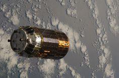 Japanese H-II Transfer Vehicle (HTV) Nears the ISS