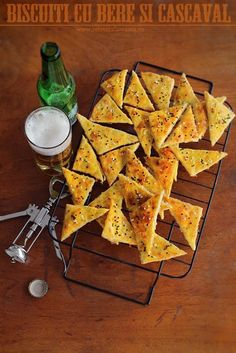 beer and cheese crackers Beer Recipes, Cooking Recipes, Nigella, Food Hacks, Baked Goods, Sweet Potato, Tapas, Meal Planning, Food And Drink