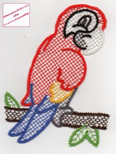Créé et réalisé par Dominique voici le même modèle de perroquet que celui d'octobre, mais dans une autre version (dimensions : 20x14)      ...