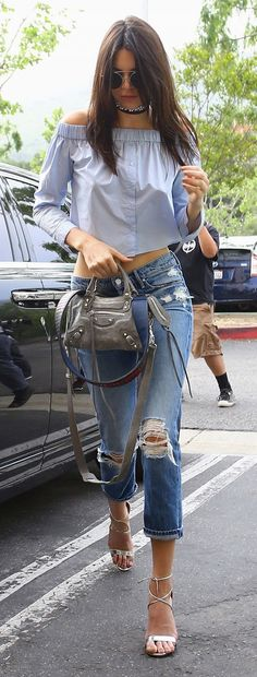 Kendall Jenner off-the-shoulder style.