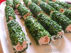 Recipe picture: Rolls of toast bread with salmon Vegetarian Recipes, Cooking Recipes, Healthy Recipes, Modern Food, Brunch, Czech Recipes, Fun Easy Recipes, Food Decoration, I Love Food