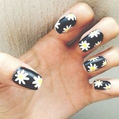 Daisy nails ♡