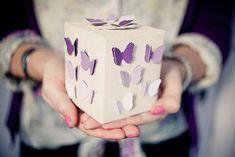 Caja para regalo con mariposas