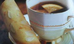 Sinaasappel amandeltuiles uit 'High tea'  van Susannah Blake