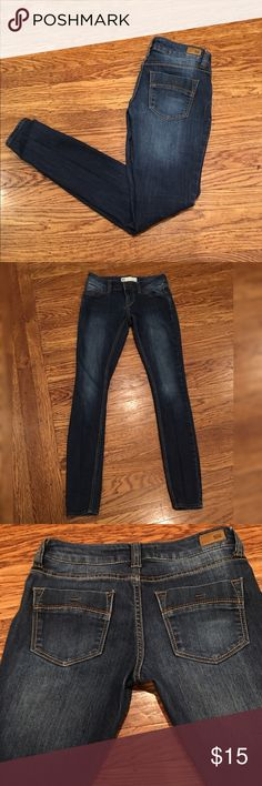 RSQ Ibiza Skinny Jeans in Dark Denim wash size 1 Women's RSQ TILLY's Ibiza Skinny Jeans in Dark Denim wash size 1. Excellent used condition! Tilly's Jeans Skinny