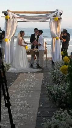 #casamentoembuzios #blogdecasamento #noivinhaspraianas #ograndedia #casamento #postnovo #casamentosnapraia #casamentosreais #destinationwedding #casarnapraia #casededia #casamentoaoarlivre #grooms #bride #realweddings #ondecasar #casandoembuzios #casamentosnapraia #casamentosembuzios #buzios #destinationwedding #weddingdecor #decoracaodecasamento #lapelas #bouquet #bouquetdenoiva #bouquetdecasamento   #veuegrinalda #veuegrinaldacasamentos #espelhodasaguasbuzios