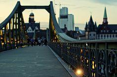 Frankfurt, Germany. Das ist der Eisener Steg