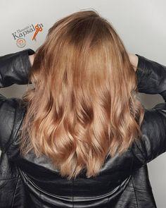 16 vind-ik-leuks, 0 opmerkingen - Henriët's Kapsalon (@henrietskapsalon) op Instagram: 'Van koper naar natuurlijk warm blond. Een projectje met een mooi resultaat! #alteregonederland…'