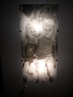lamp van ikea, beplakt met een transparante fotosticker
