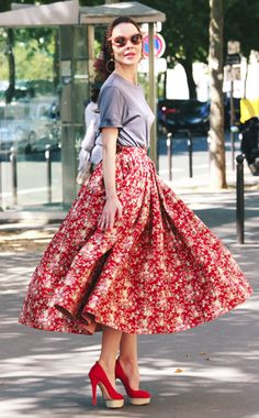 Full skirt + T-shirt / retro style