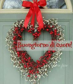 Collection valentine's day decorations ideas (more 250 pics) Valentine Wreath, Valentine Crafts, Good Morning Good Night, Valentines Day Decorations, New Years Eve Party, Morning Images, Door Wreaths, 4th Of July Wreath, Christmas Wreaths