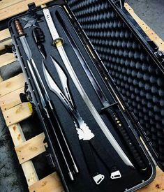 Ninja weapons are the smartest weapons that were designed. If you are wondering if they still used nowadays or not, then we have some interesting information for you. Zombie Weapons, Ninja Weapons, Weapons Guns, Swords And Daggers, Knives And Swords, Sabre Laser, Cool Swords, Survival, Combat Knives